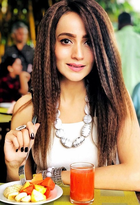 Favorite DIY Hairstyles of Pakistani Actresses