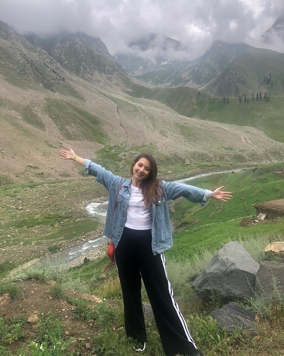 Actress Komal Aziz Latest Pictures from Northern Areas of Pakistan