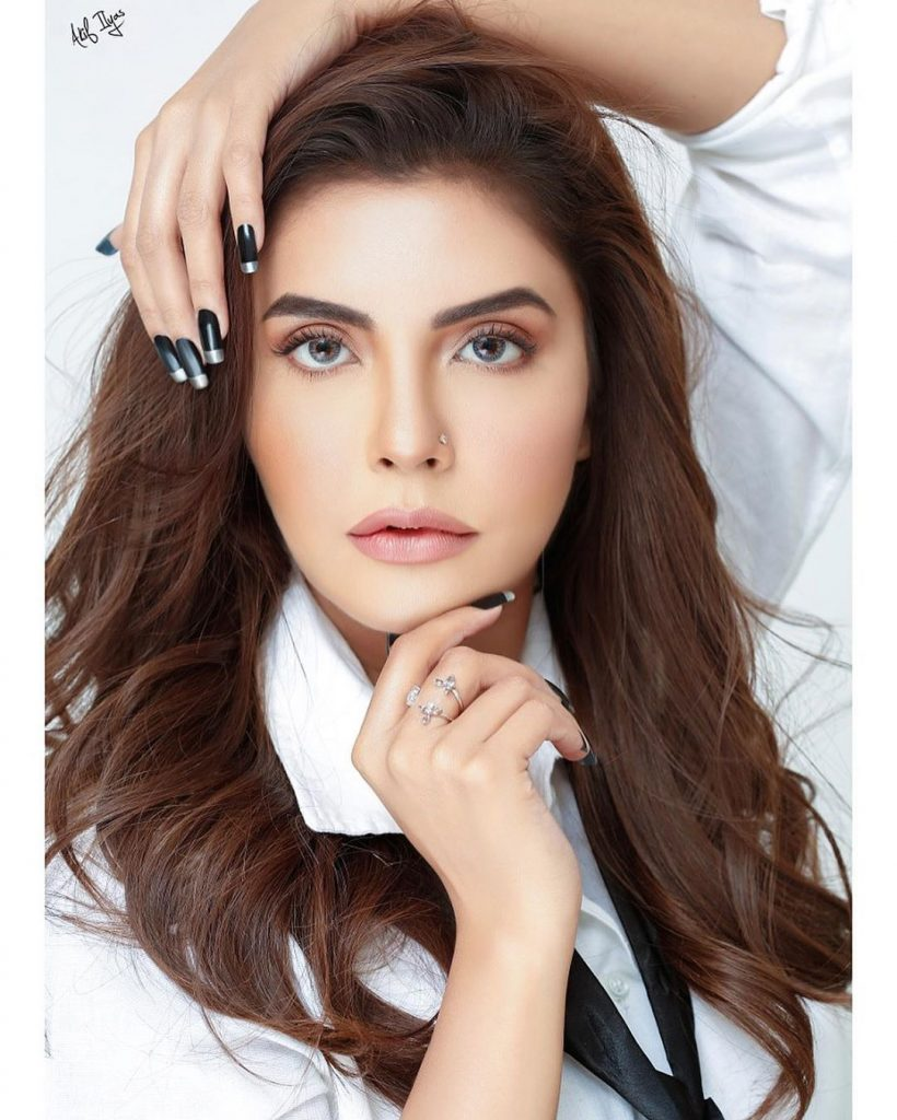 Nida Yasir glams up for her latest photo shoot