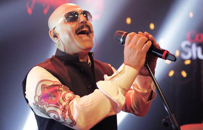 Ali Azmat Is The Ultimate Rockstar, Says Mahira Khan