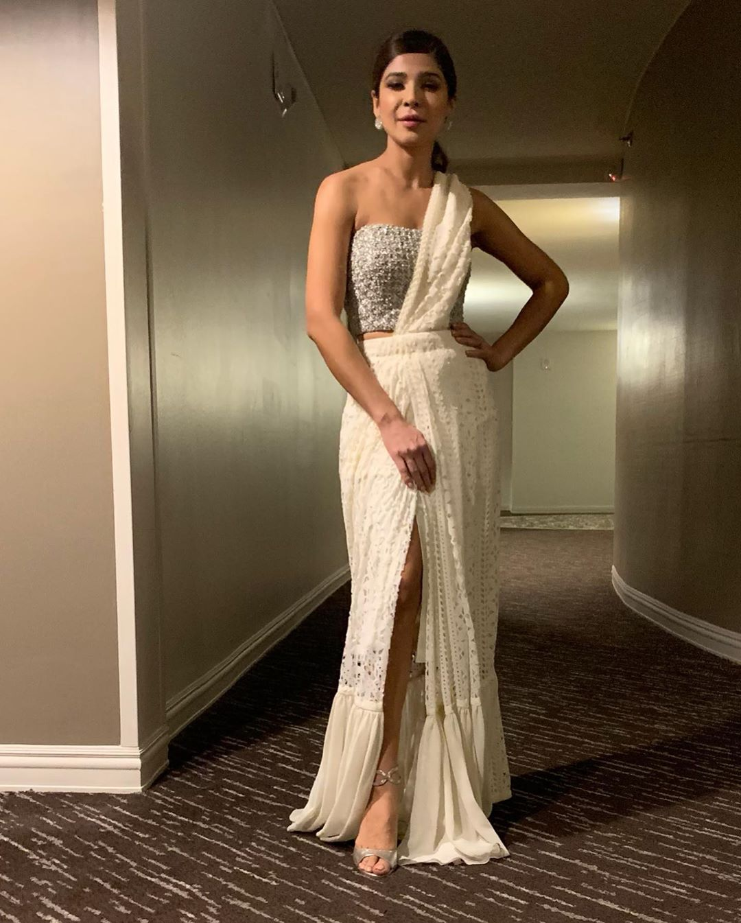 Latest Clicks of Actress Ayesha Omar