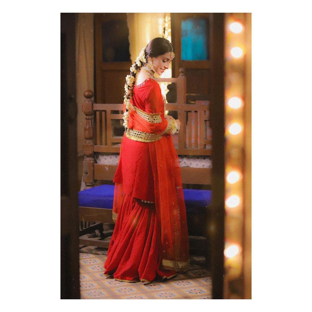 Gorgeous Ayeza Khan's Latest Bridal Clicks