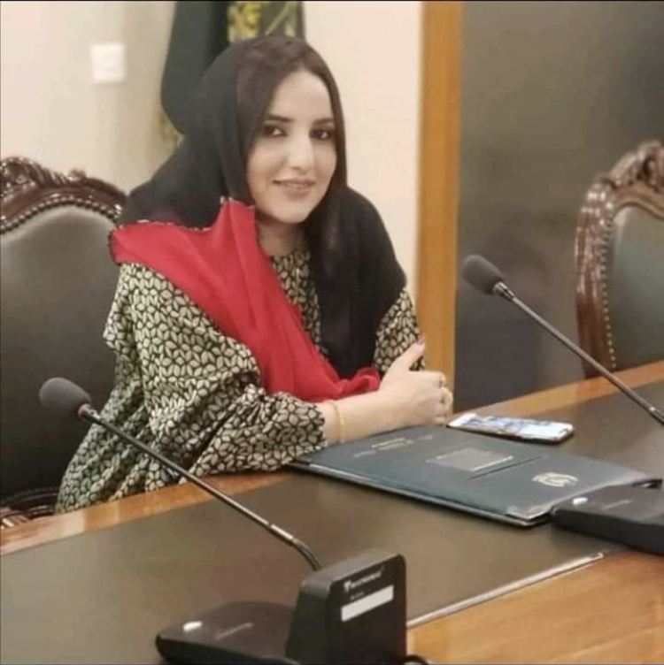 Tik Tok Star Hareem Shah Spotted At Foreign Office
