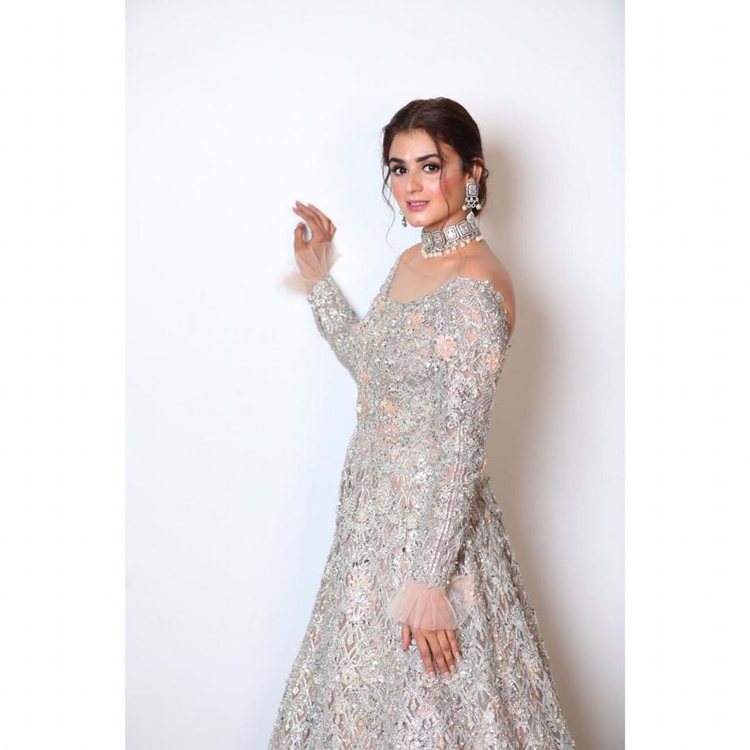 Hira Mani is Looking Gorgeous in this Beautiful Outfit
