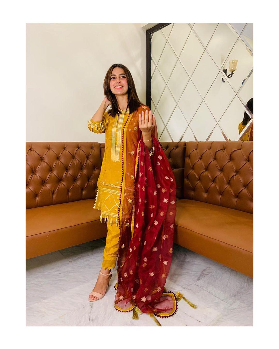 Latest Beautiful Clicks of Actress Iqra Aziz