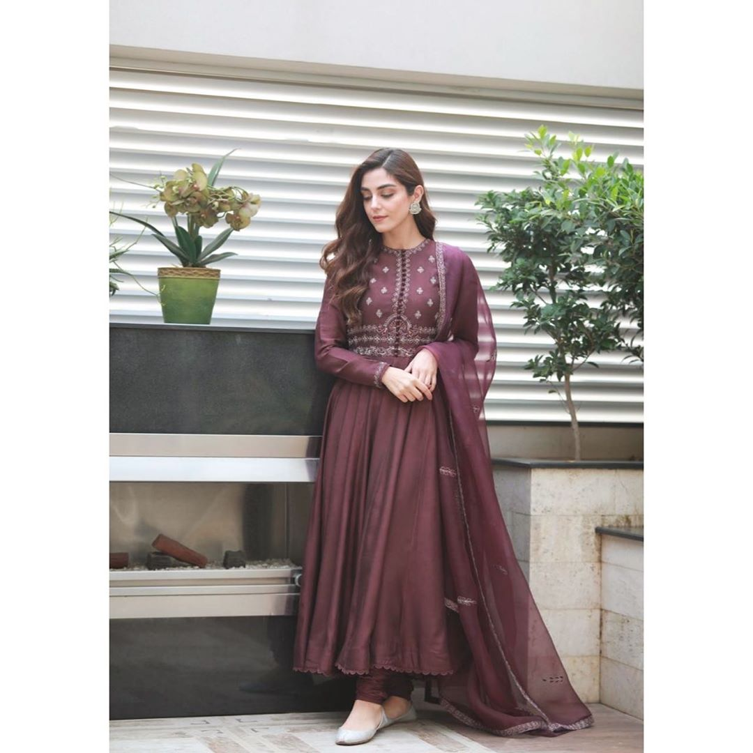 Latest Beautiful Clicks of Actress Maya Ali