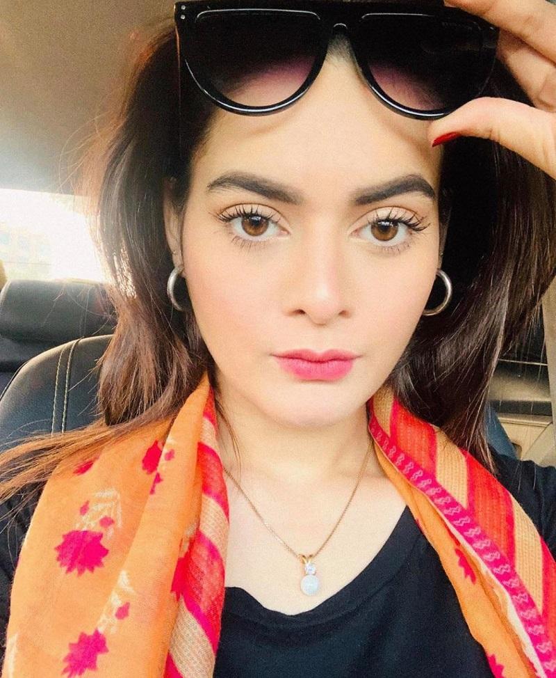 Cutest Selfies of Top Pakistani Celebrities