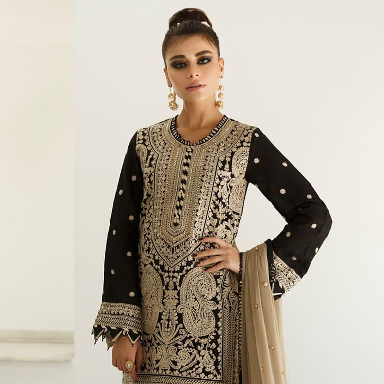 Latest Photo Shoot of Gorgeous Model Sadaf Kanwal for Asim Jofa
