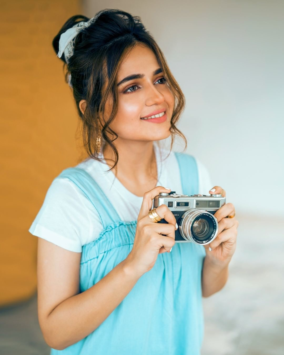 Sumbul Iqbal is Looking Gorgeous in her trendy look for Latest Photo shoot