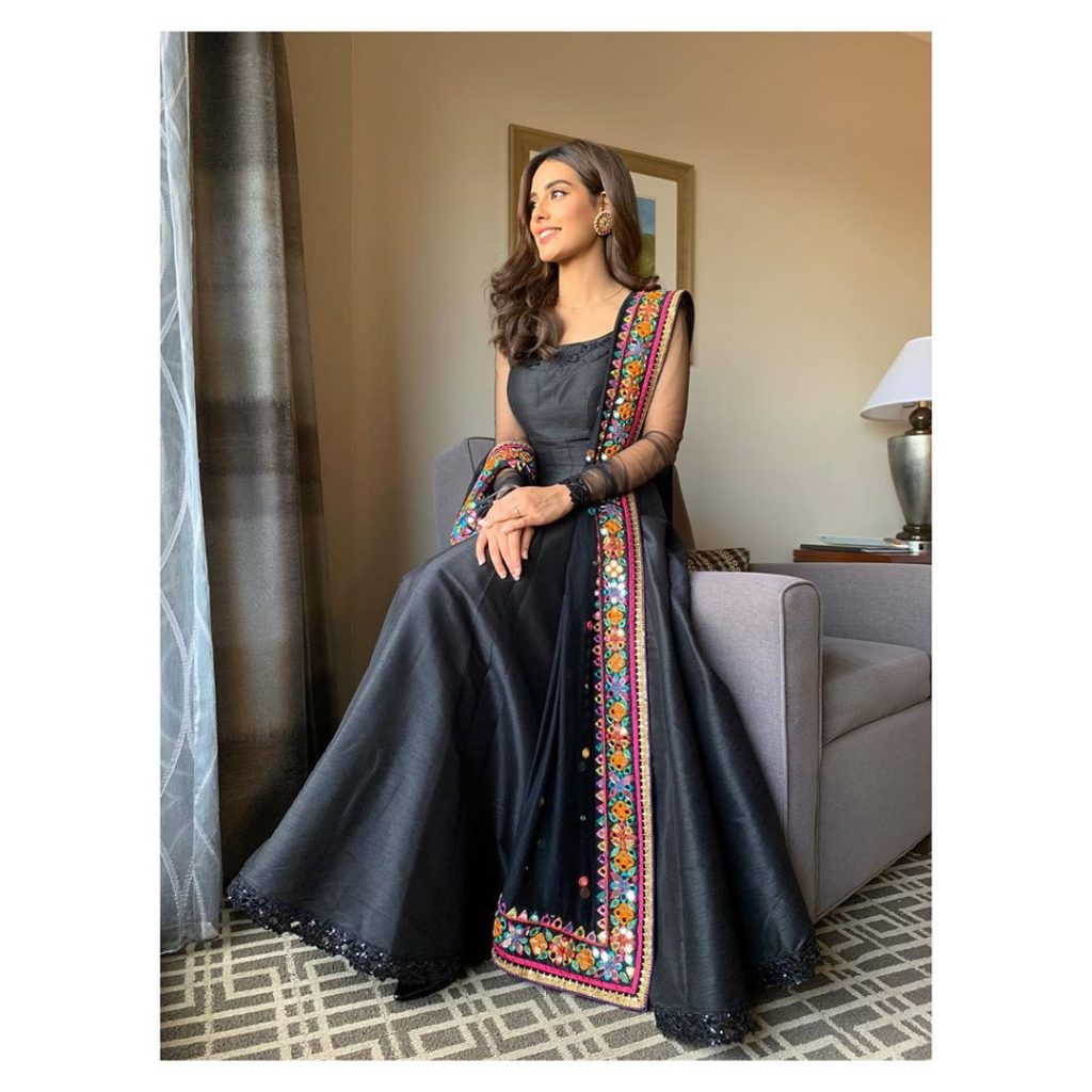 Iqra Aziz Dazzles In A Black Anarkali Dress