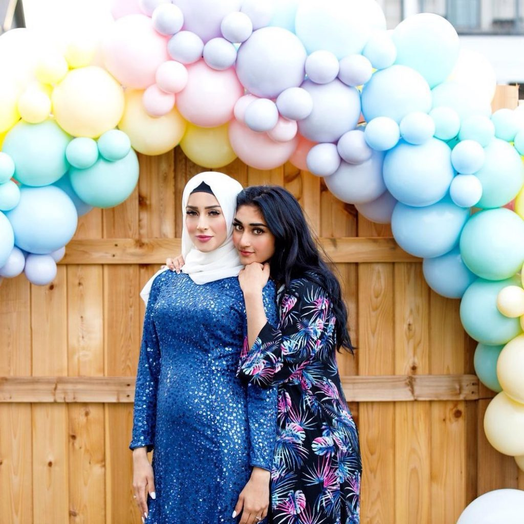 sham idrees and froggy had a baby gender reveal party 8