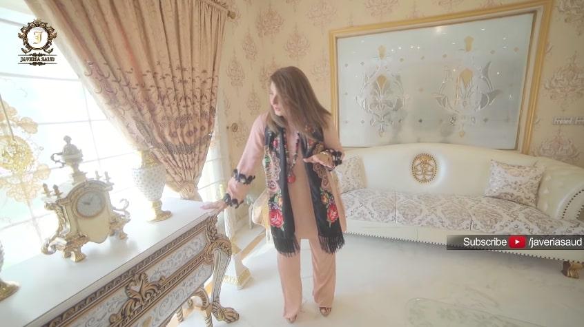 Aadi Adeel Amjad Mocks Javeria Saud For Showing Her Luxuries Home