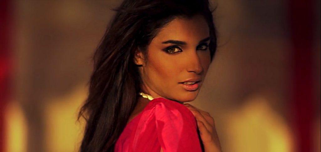 Amna Ilyas Talks About Her Dark Skin And Much More3