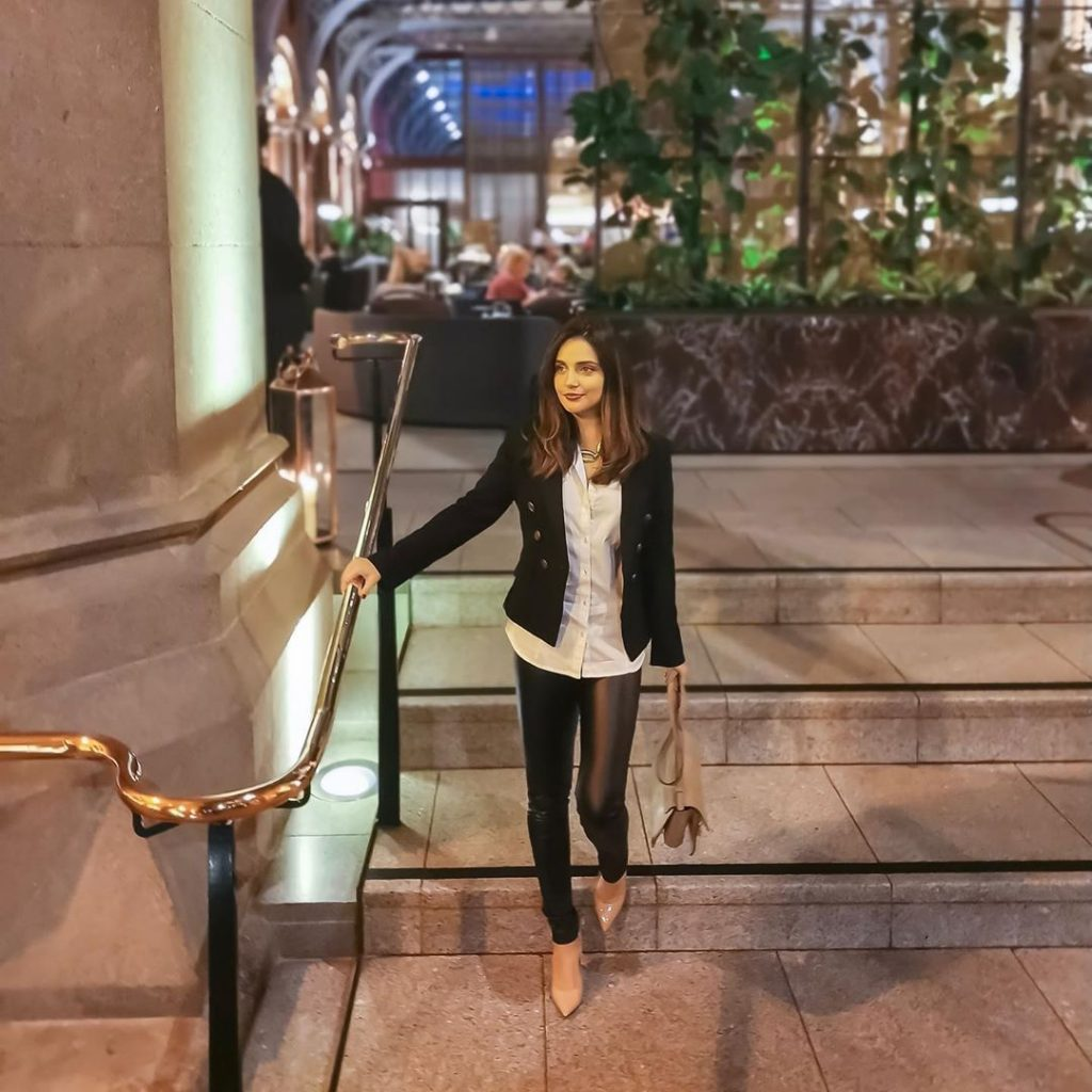Armeena Khan Raises Her Voice Against Domestic Abuse 4