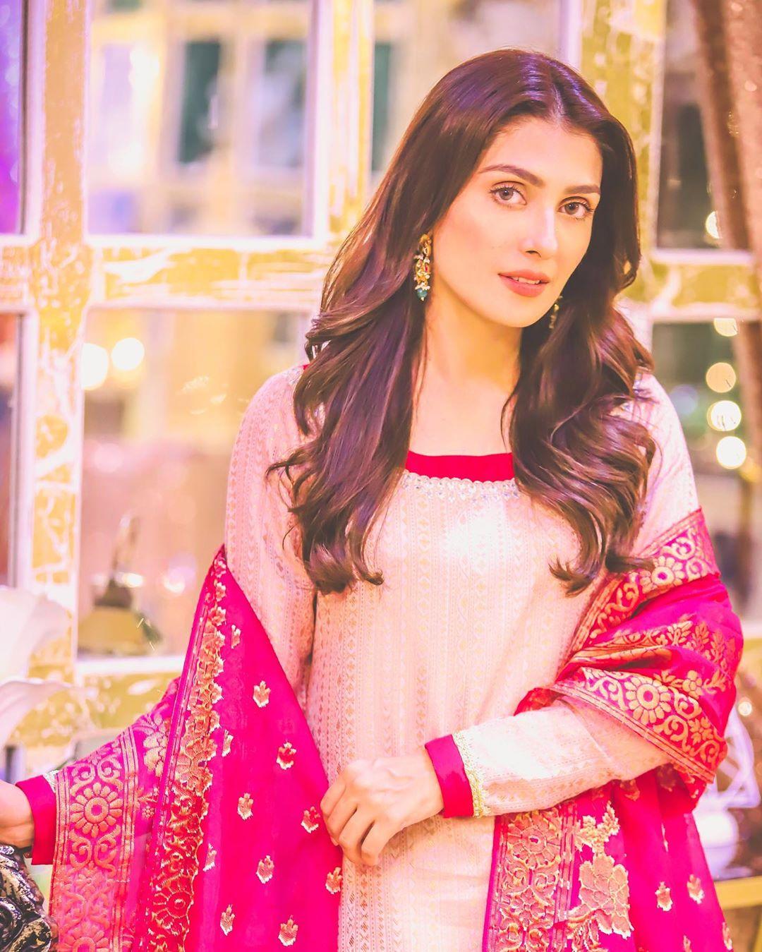 Ayeza Khan's Latest Beautiful Clicks