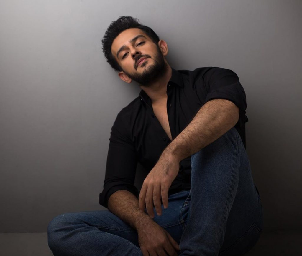 Azaan Sami Khan Wished His Mother On Her Birthday 3