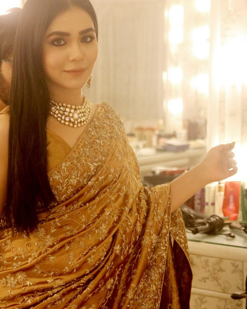 Humaima Malick Showers Love For Her Mother 5