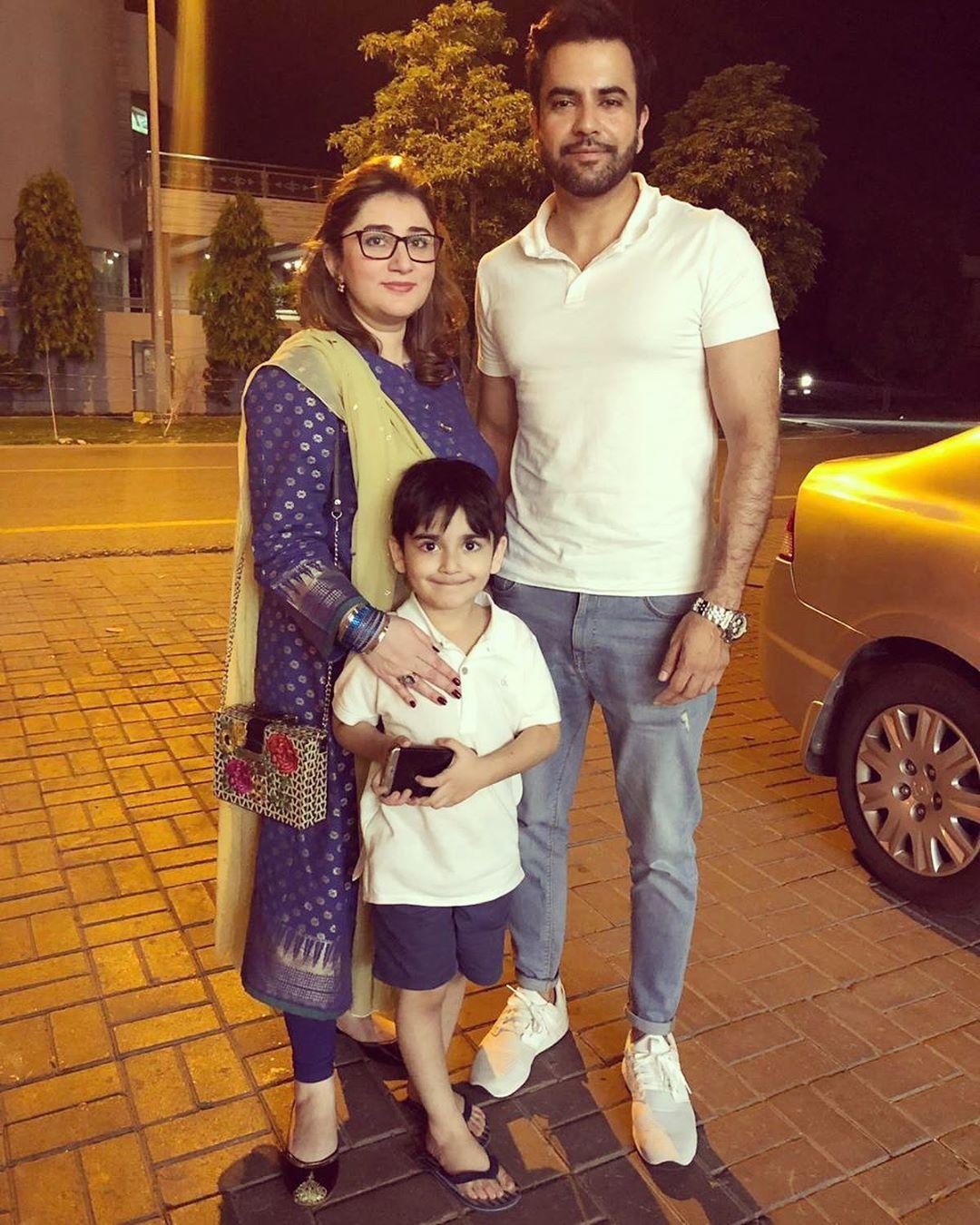 Junaid Khan Family 4