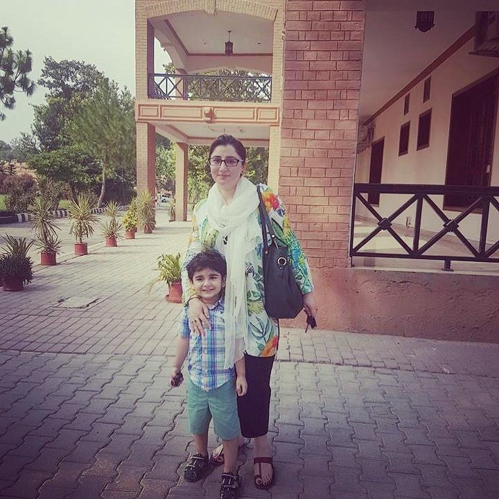 Junaid Khan Family 7