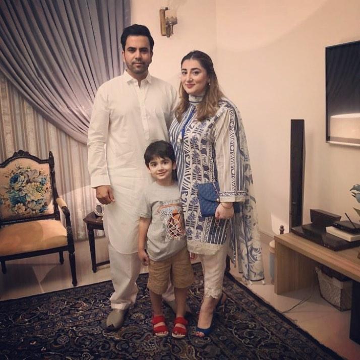 Junaid Khan Family 8