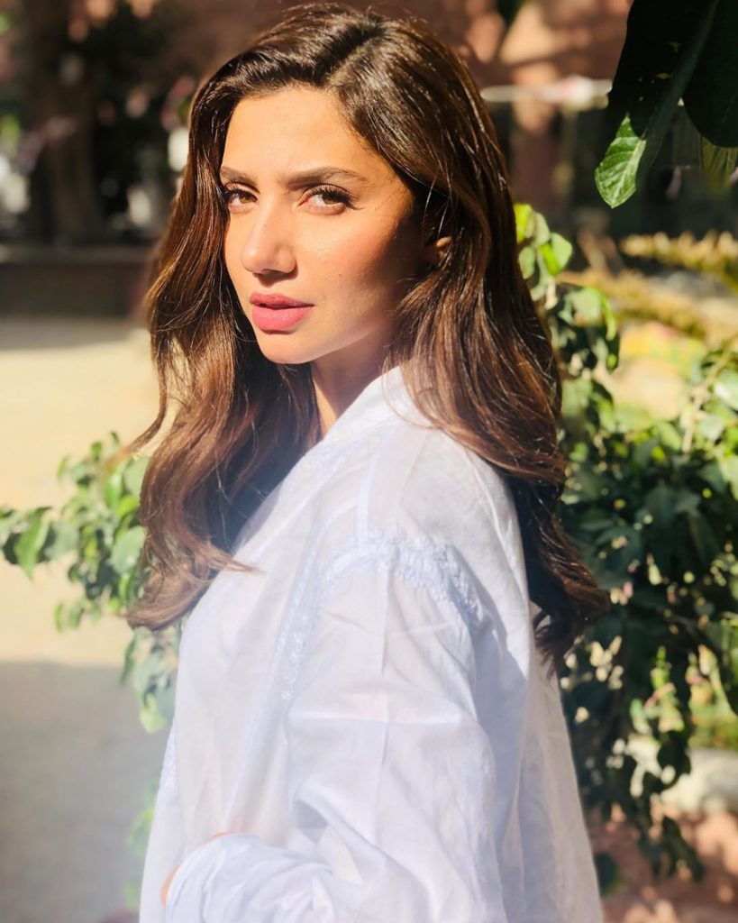 Mahira Khan Shares A Note For Depressed People 4