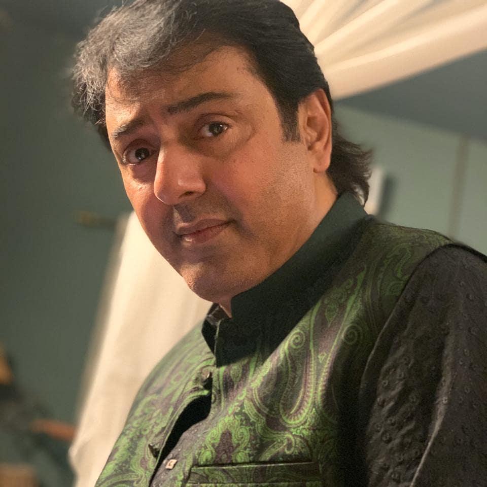 Pictures from the set of Nauman Ijaz and Saba Qamar's Man Joggi