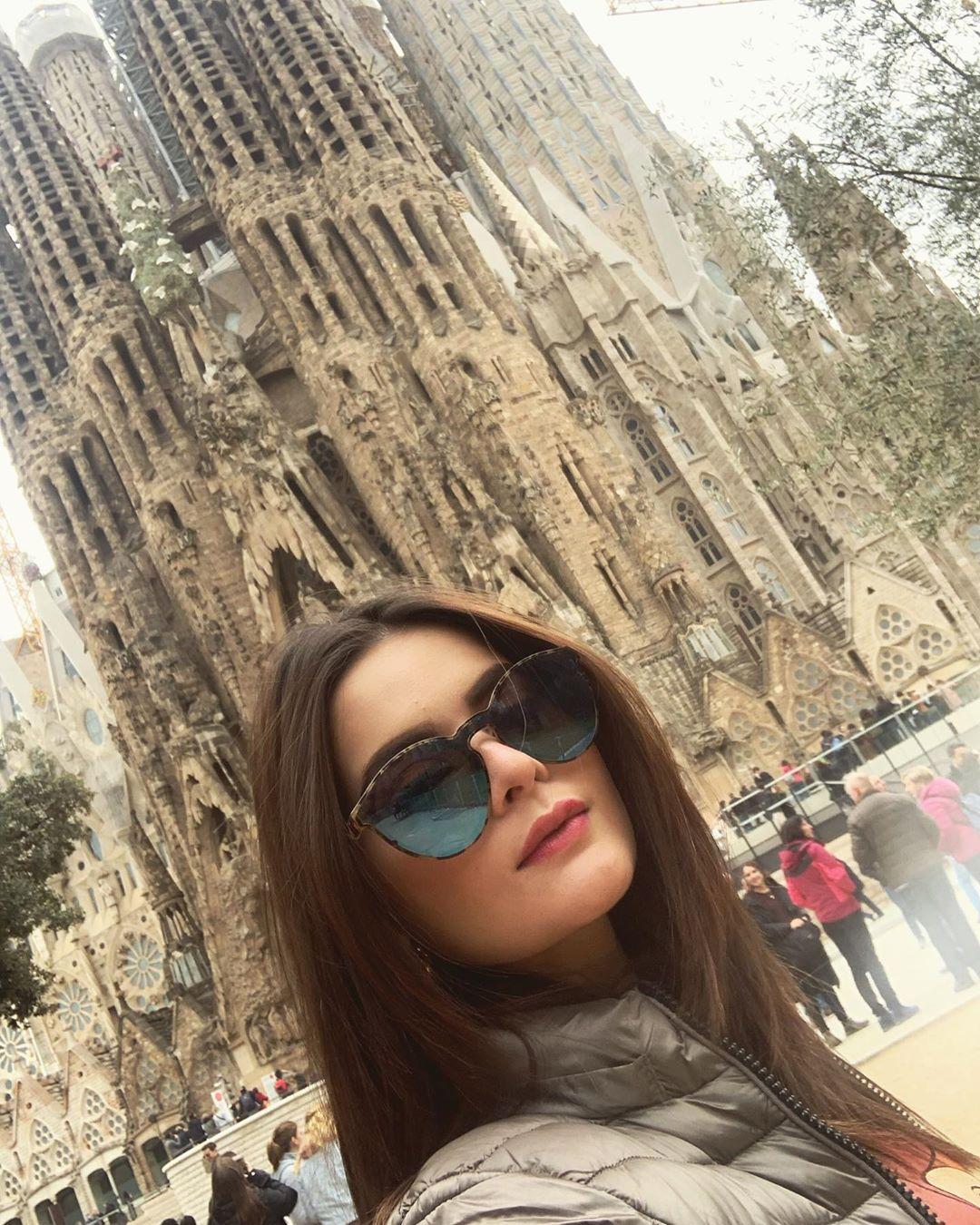 Gorgeous Minal Khan's Latest Beautiful Clicks