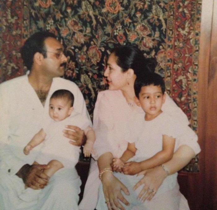 Mira Sethi family 4