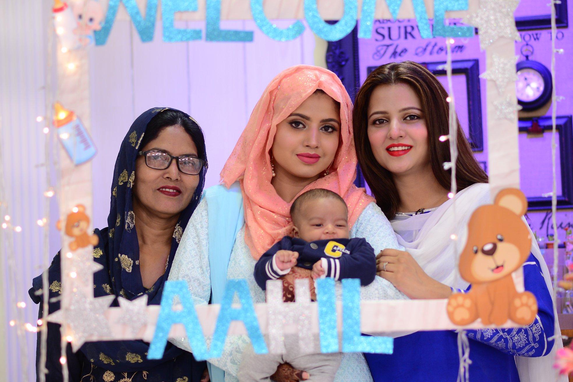 Mizna Waqas with Baby 19