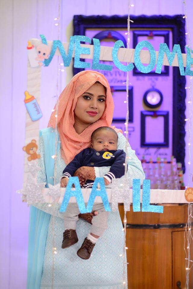 Mizna Waqas with Baby 20