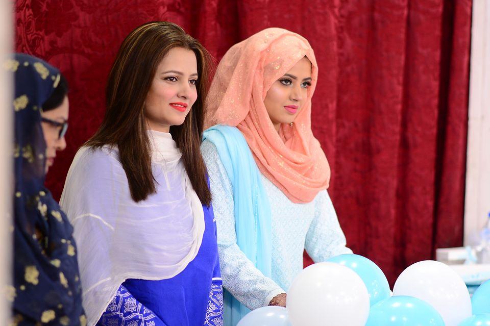 Mizna Waqas with Baby 36