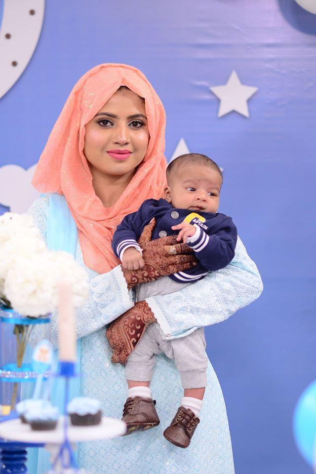Mizna Waqas with Baby 5