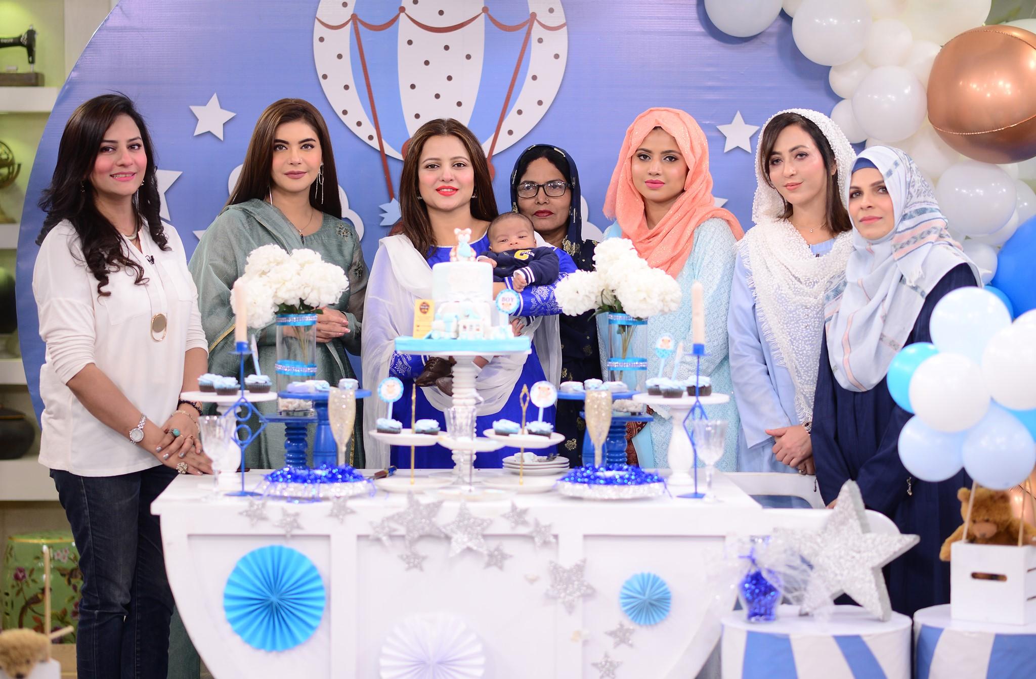 Mizna Waqas with Baby 9