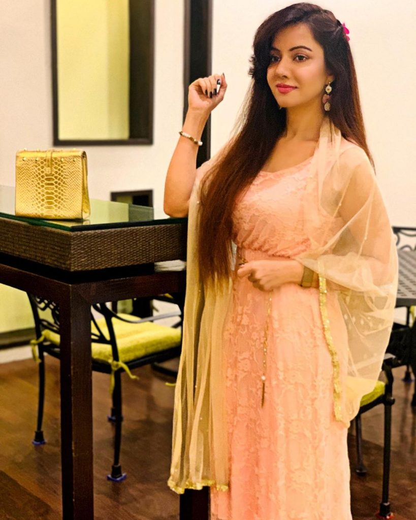 Rabi Pirzada's First Live Video After Her Videos Went Viral