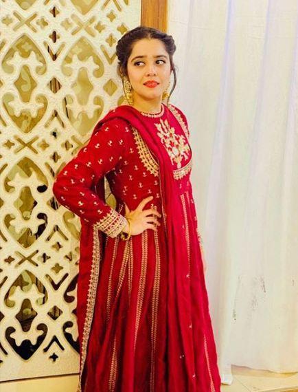 Sarah Razi Khan 1