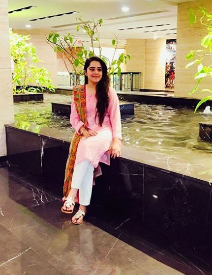 Sarah Razi Khan 11