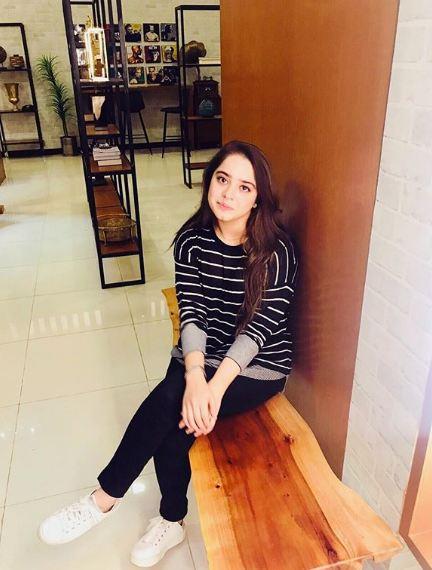 Sarah Razi Khan 7