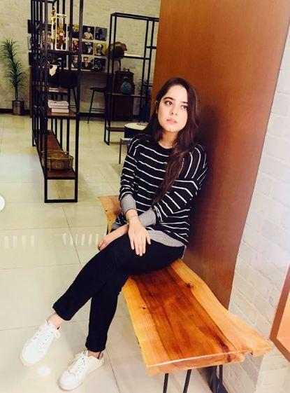 Sarah Razi Khan 8