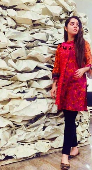 Sarah Razi Khan 9