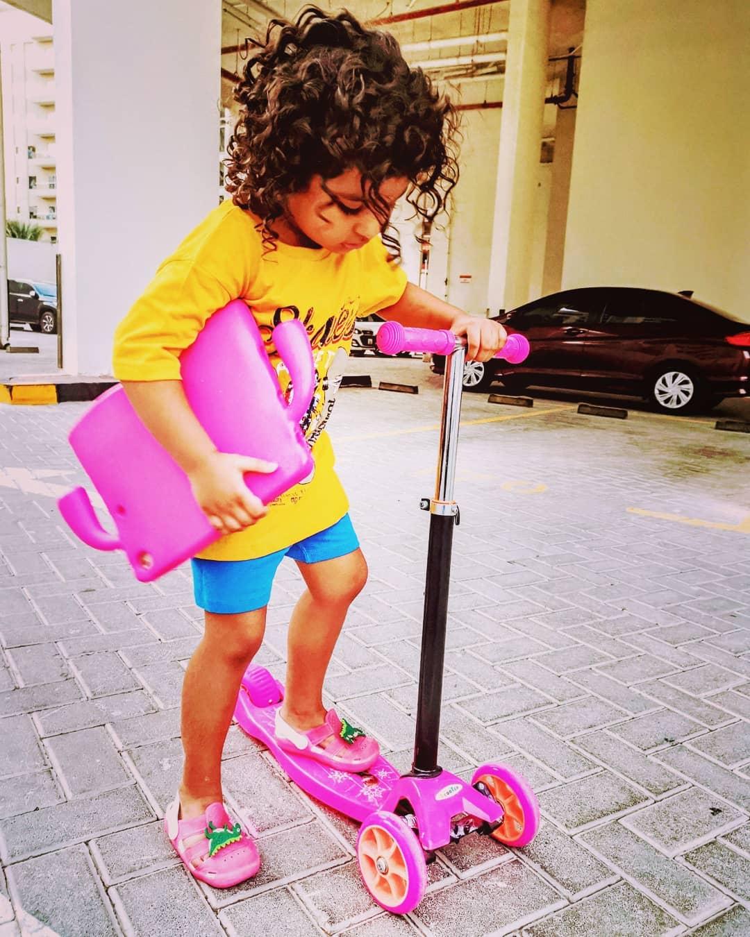 Veena Malik Kids 16