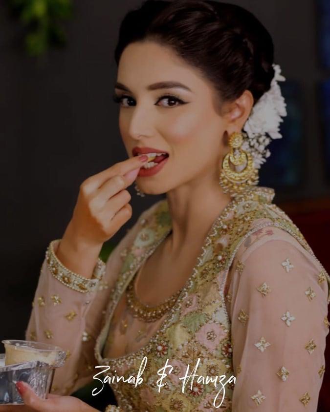 Zainab Abbas 23