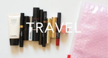 Makeup essentials to carry on your holiday