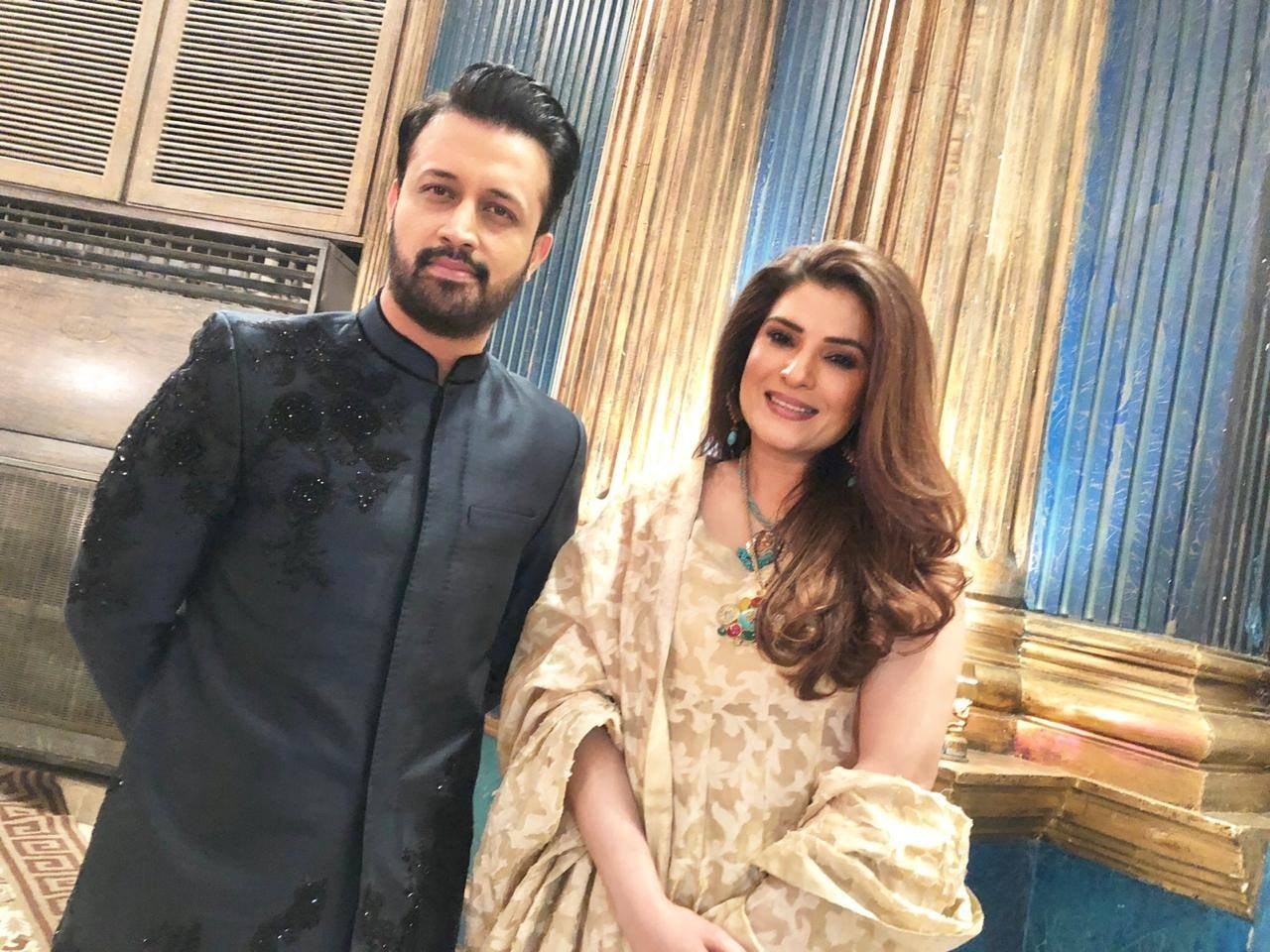 Handsome Atif Aslam and Resham Spotted at a Recent Wedding Event