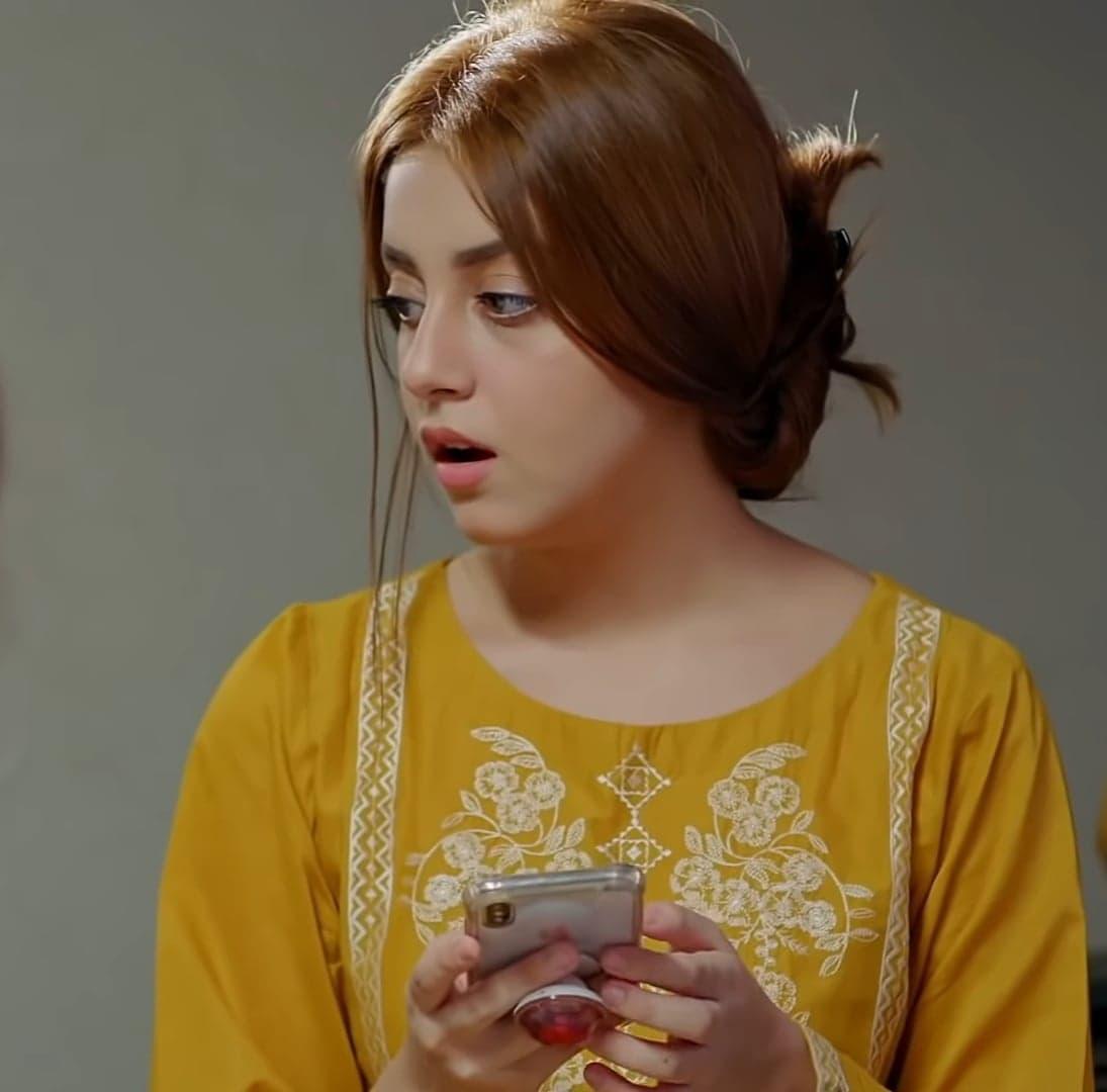Alizeh Shah 44