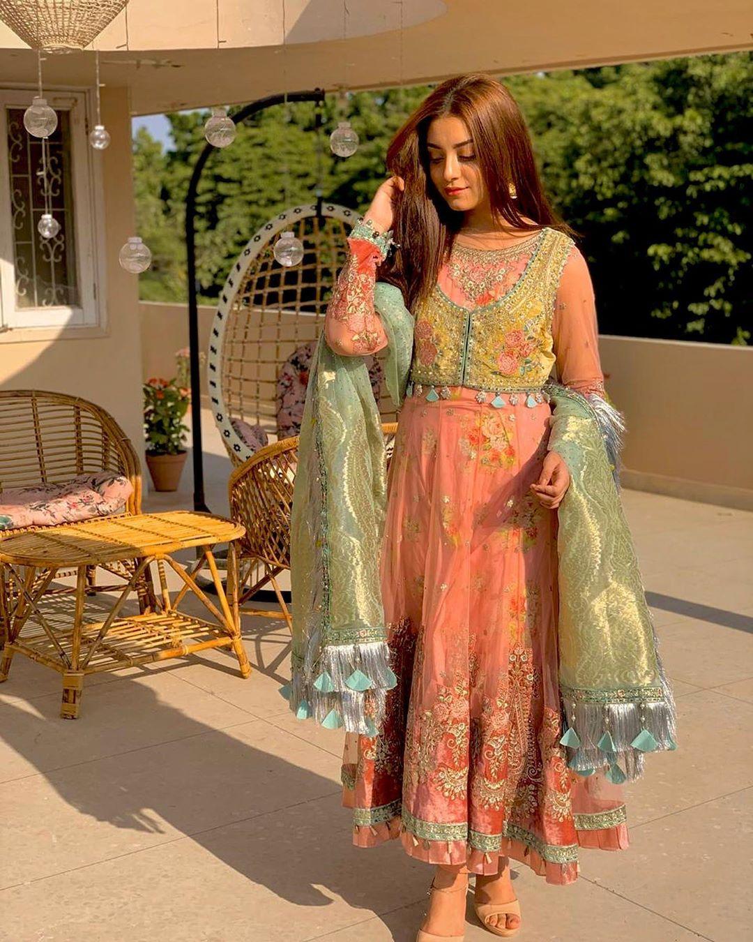 Drama Ehd-e-Wafa Girl Alizeh Shah Latest Beautiful Clicks