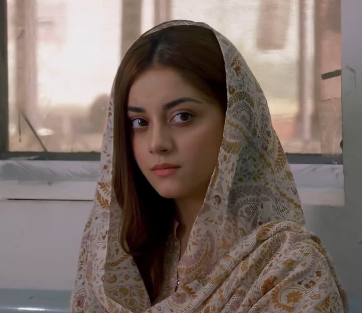 Alizeh Shah 9