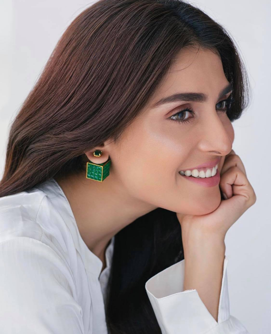 Top 16 Pakistani Actresses With Most Beautiful Smile