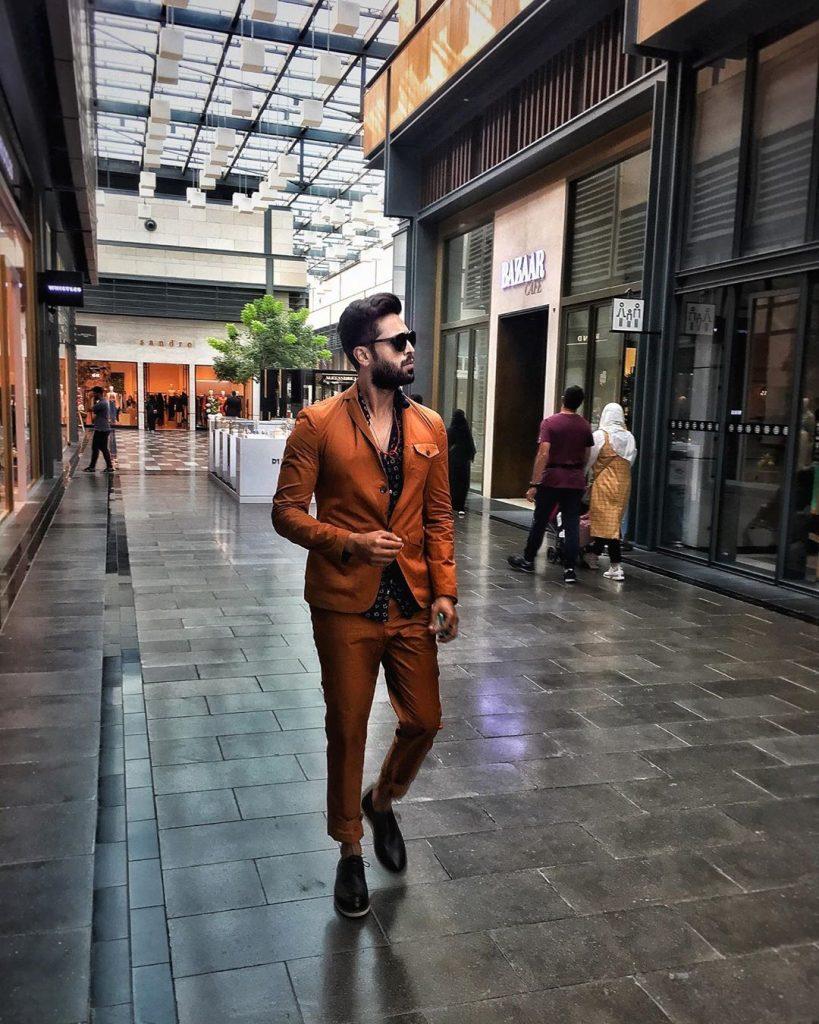 Fahad Mustafa Wishes To Do Movie With Urwa Hocane 11