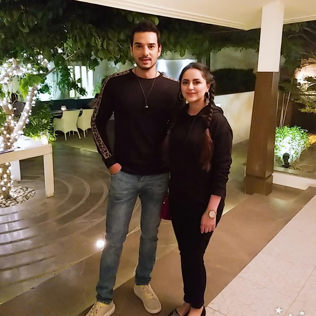 Fatima Effendi and Kanwar Arslan Beautiful Clicks with Kids at a Recent Wedding