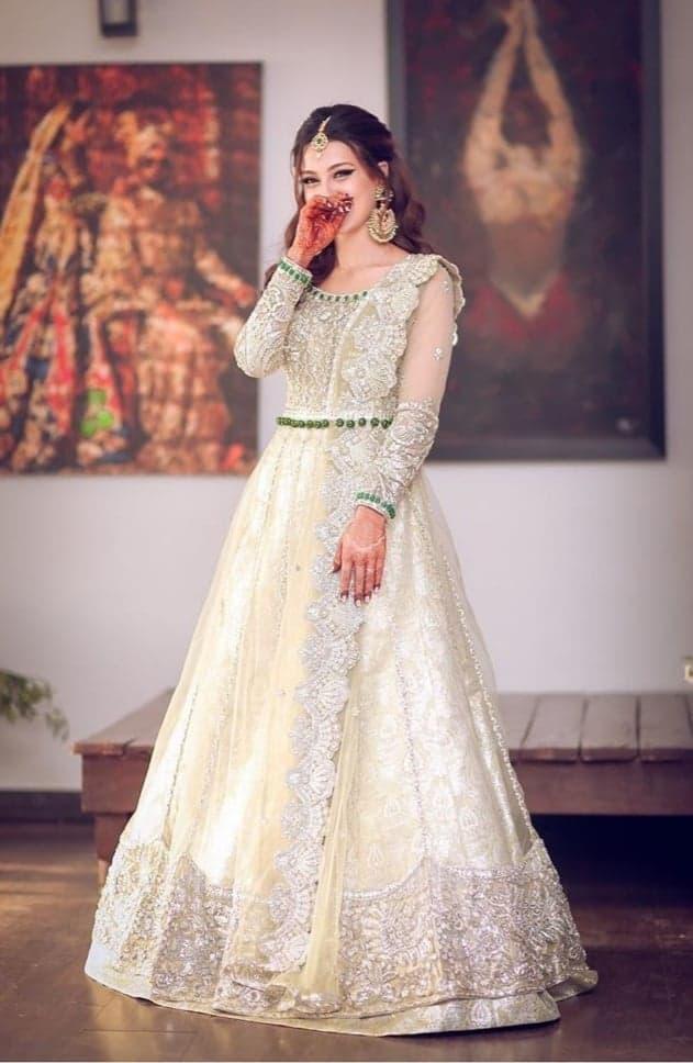 Walima Dress and Makeup Look of Iqra Aziz